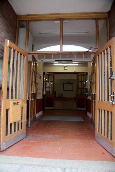 Mainhall_Entrance04